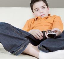 controlar-horas-que-ven-television-ninos