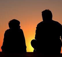 Hablar con mi hijo adoptado sobre sus padres biológicos