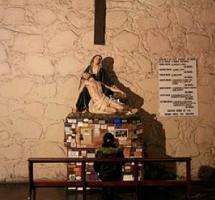 Considerar a la religión como un elemento central de la identidad cultural