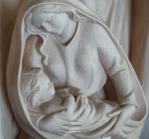 creer que la Virgen María es virgen