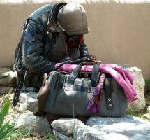 ¿Dar ropa y abrigo a otras personas más necesitadas?