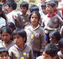 Defender el uso del uniforme escolar
