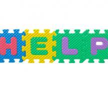 """Piezas de un juego de letras que juntas forman la palabra """"help"""""""