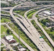Imagen aérea de un nudo de carreteras