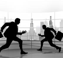 Presionar a los empleados para aumentar el rendimiento de la empresa