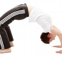 Realizar estiramientos pasivos antes del deporte para mejorar el rendimiento