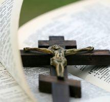 ¿Seguir a rajatabla los preceptos de mi religión?