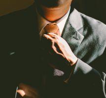 Hombre con corbata
