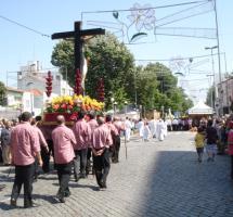 expresar tradiciones religiosas en espacio público