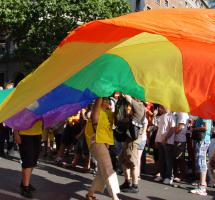 Igualar los derechos de los matrimonios homosexuales