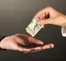 Prestar dinero a un familiar