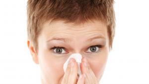 Controlar los brotes alérgicos con medicación